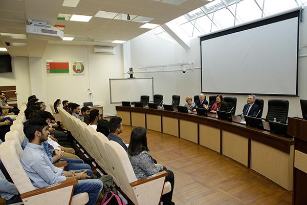 Встреча индийских студентов с Чрезвычайным и Полномочным Послом Республики Индия
