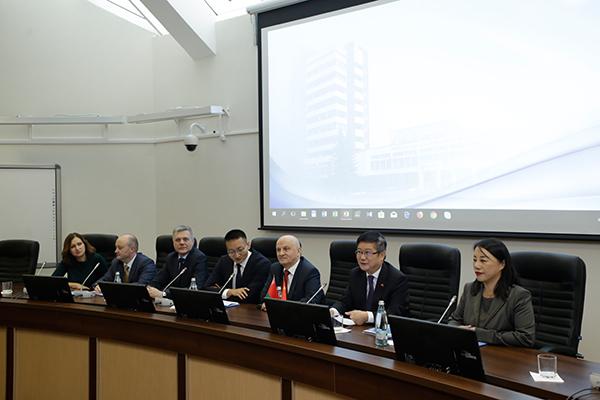 Визит Чрезвычайного и Полномочного Посла Китайской Народной Республики в Республике Беларусь Цуя Цимина
