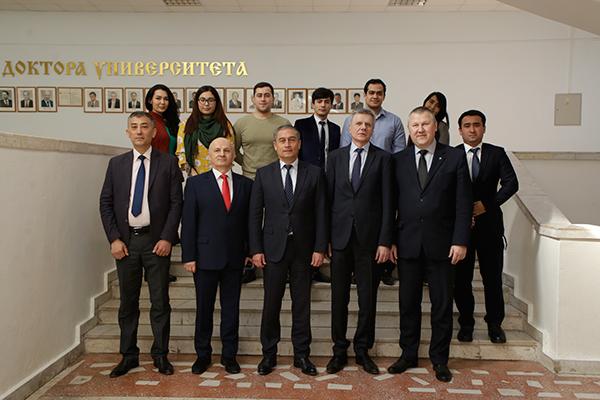 Визит делегации Ташкентской медицинской академии во главе с ректором, профессором Л.Н. Туйчиевым
