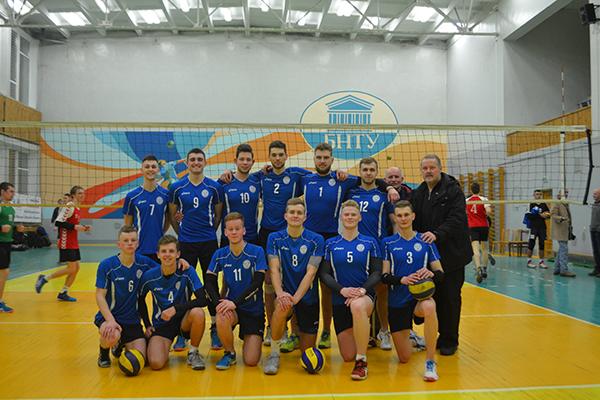 Финальные соревнования по волейболу среди мужских команд и по футболу среди мужских команд в зоне «А»