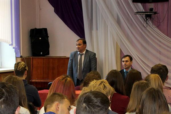 Встреча студентов-медиков с заместителем главы администрации Октябрьского района