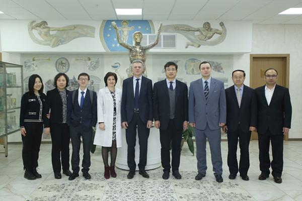 Визит делегации Китайского Центра медицинского образования (КНР)