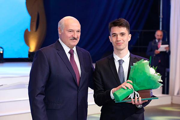 Выпускник лечебного факультета Александр Почебут награжден Благодарностью Президента