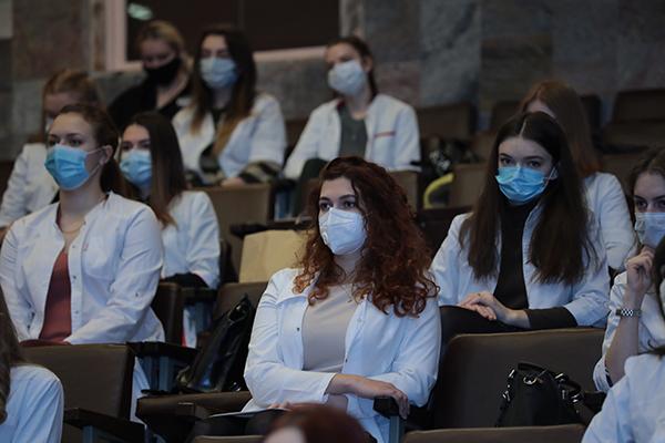 «Ваш вклад в борьбу с коронавирусом трудно переоценить».