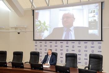 Ректор Белгосмедуниверситета Сергей Рубникович принял участие в форуме «Израиль: стоматология 2021»