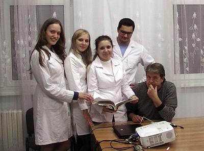 Члены СНК с научным руководителем к.м.н., доц. Малюгиными В.Ю.