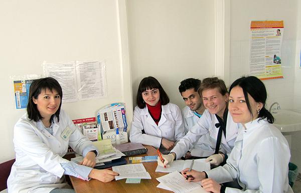 Ю.Л. Денисова со студентами
