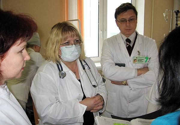Консилиум в отделении реанимации УЗ «4-я городская клиническая больница им. Н.Е. Савченко».
