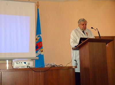 Заведующий кафедрой инфекционных болезней БГМУ, д.м.н., профессор Игорь Александрович Карпов с напутственным словом перед участниками конференции