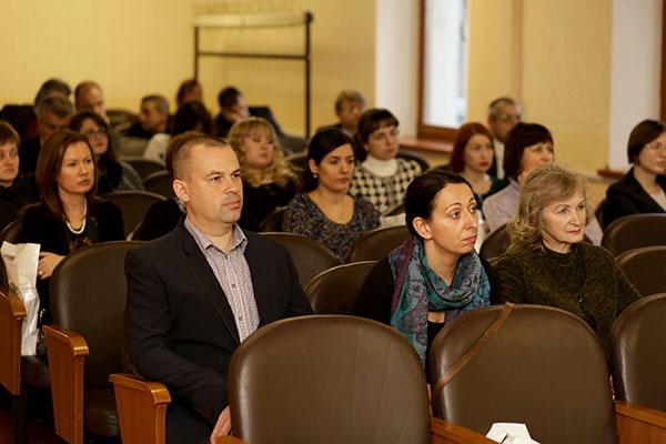 Слева направо: асс. А.Ф.Крот; к.м.н., доцент Н.В.Хоменко; врач-психиатр ГУ «РНПЦ психического здоровья» к.м.н. Т.И.Тетеркина