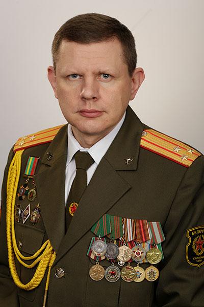 Начальник военно-медицинского факультета, полковник медицинской службы Богдан В.Г.